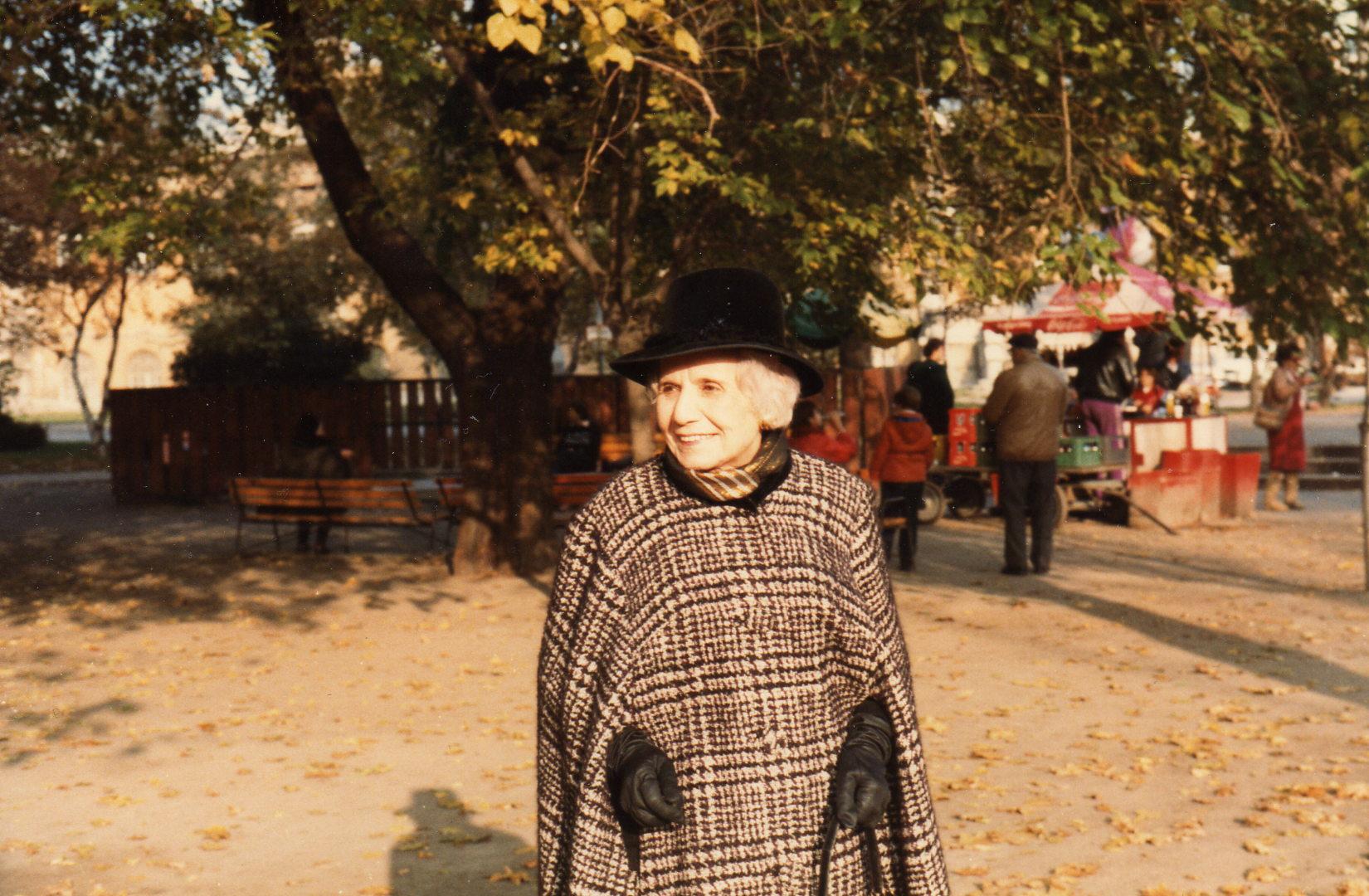 Rozi néni 1984 novemberében