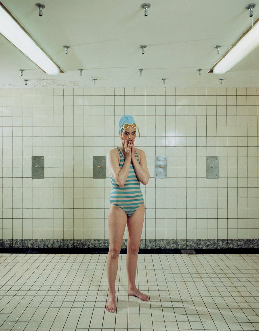 Fotó: Rineke Dijkstra: Self Portrait, Marnixbad, Amsterdam, Netherlands, June 19, 1991 © Rineke Dijkstra