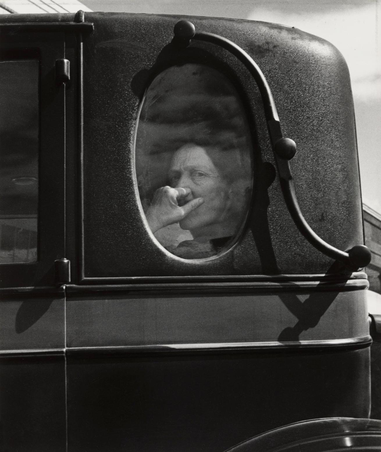 Fotó: Dorothea Lange: Temetési menet, California, 1938