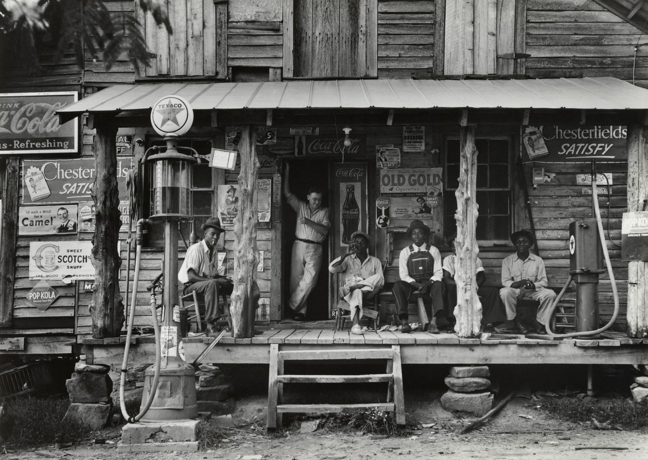 Fotó: Dorothea Lange: Crossroads Store, Észak-Karolina, July 1939