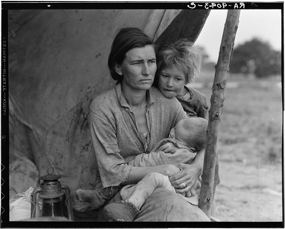 Dorothea-Lange-Destitute-pea-pickers-in-California.-Mother-of-seven-children.-Age-thirty-two.-Nipomo-CA-1936-02-lg.jpg