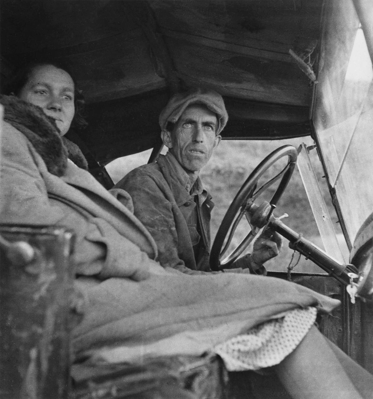 Fotó: Dorothea Lange: Ditched, Stalled, and Stranded, San Joaquin Valley, California, 1936 © The Dorothea Lange Collection, the Oakland Museum of California