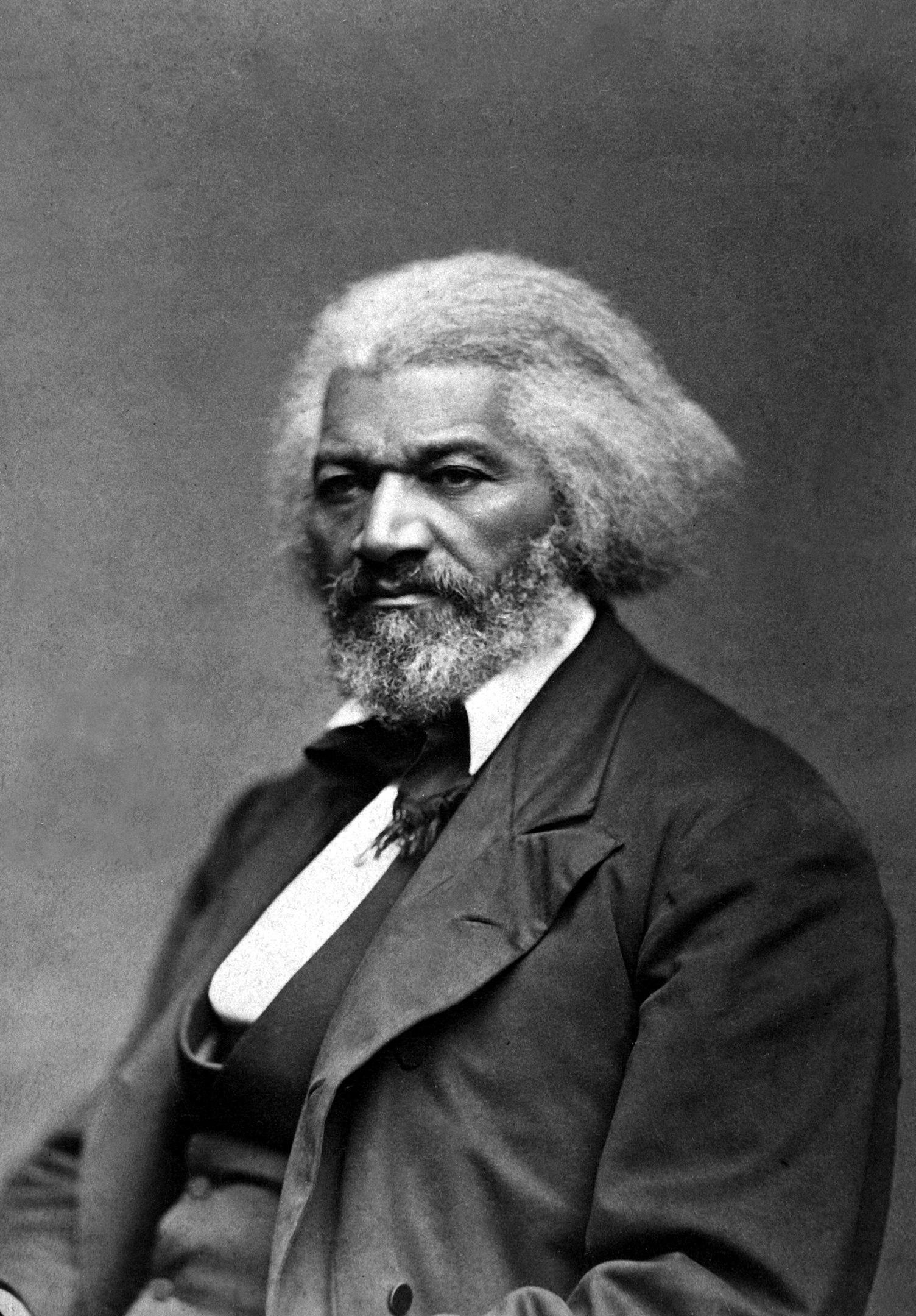 Fotó: Legg, Frank W.: Frederick Douglass, 1879 körül (National Archives and Records Administration)