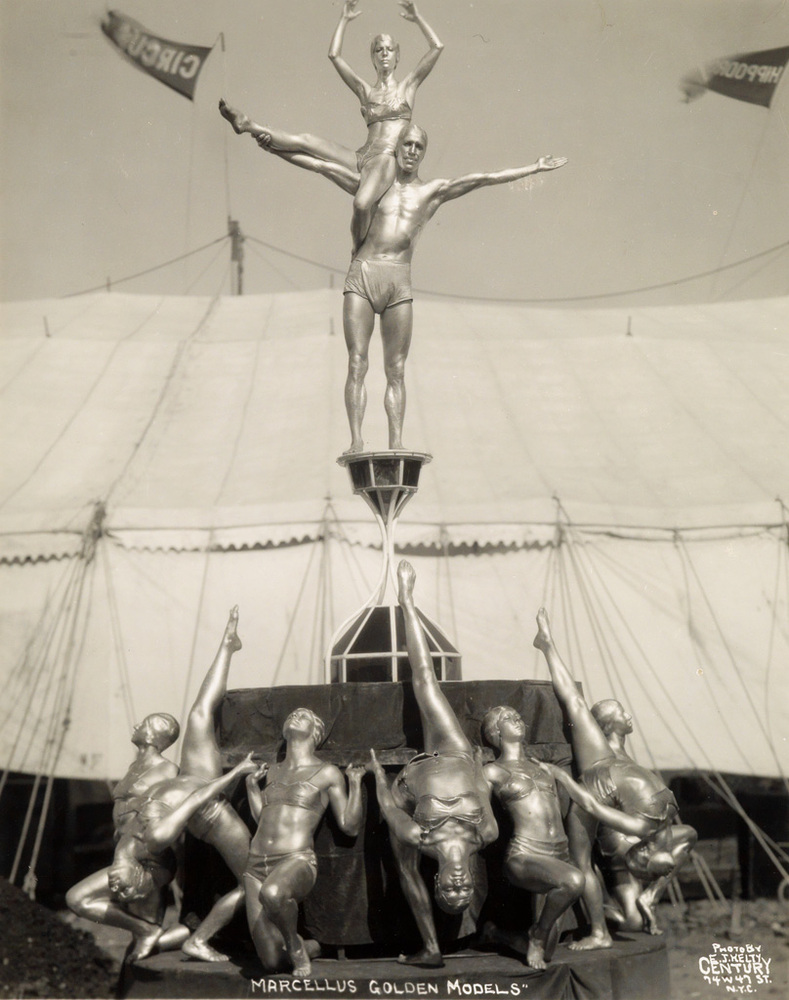 Fotó: Edward J. Kelty: Marcellus Golden Models.1933 © Collection of Alain Siegel / Edward J. Kelty