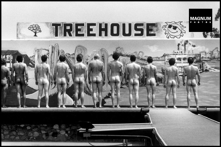 Fotó: Elliott Erwitt: Mr. és Mrs. Nude California, Bakersfield, 1983 © Magnum Photos