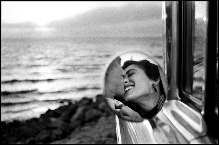 Fotó: Elliott Erwitt: Kalifornia, USA, 1955 © Elliott Erwitt / Magnum Photos