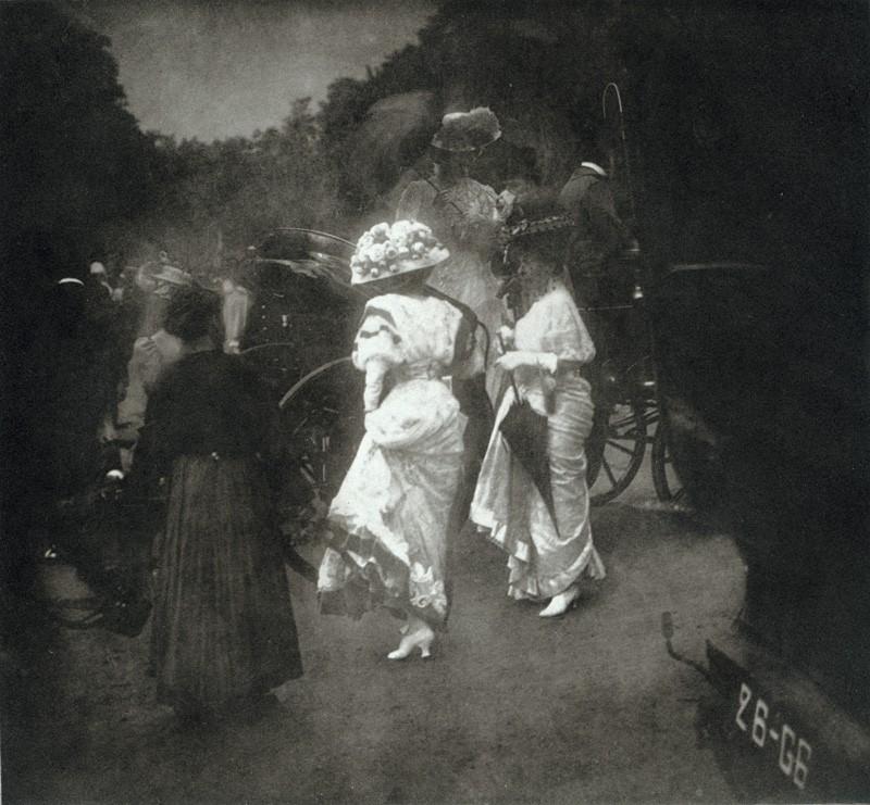 steichen_grand-prix-at-longchampafter-the-races_paris_1907.jpg