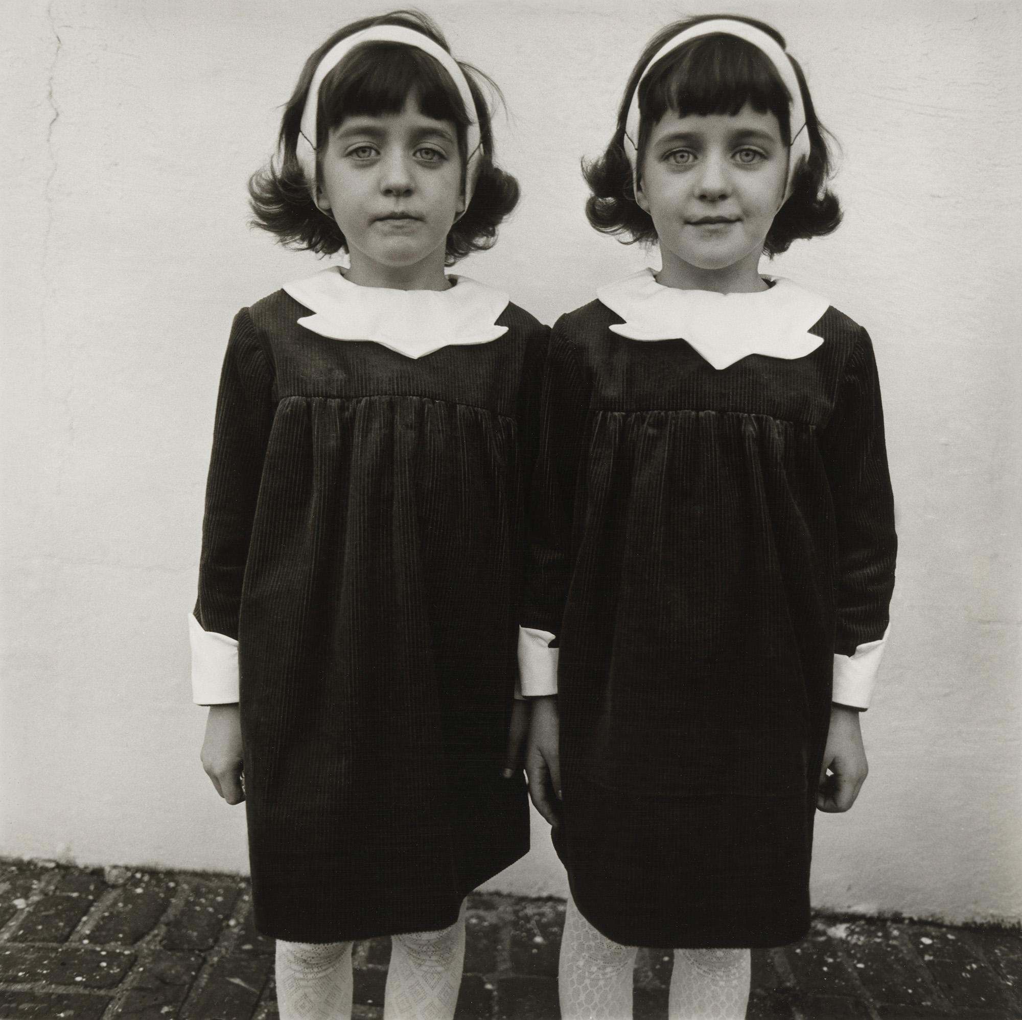 Fotó: Identical Twins, Roselle, N.J., 1967 © Diane Arbus