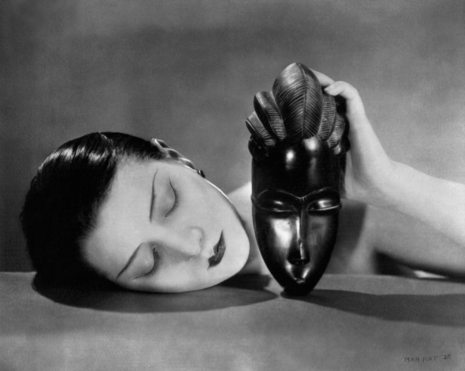 Fotó: Noire and Blanche, 1926 © Man Ray