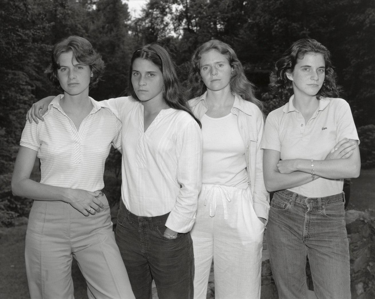 Fotó: The Brown Sisters, New Canaan, Connecticut, 1975 © Nicholas Nixon