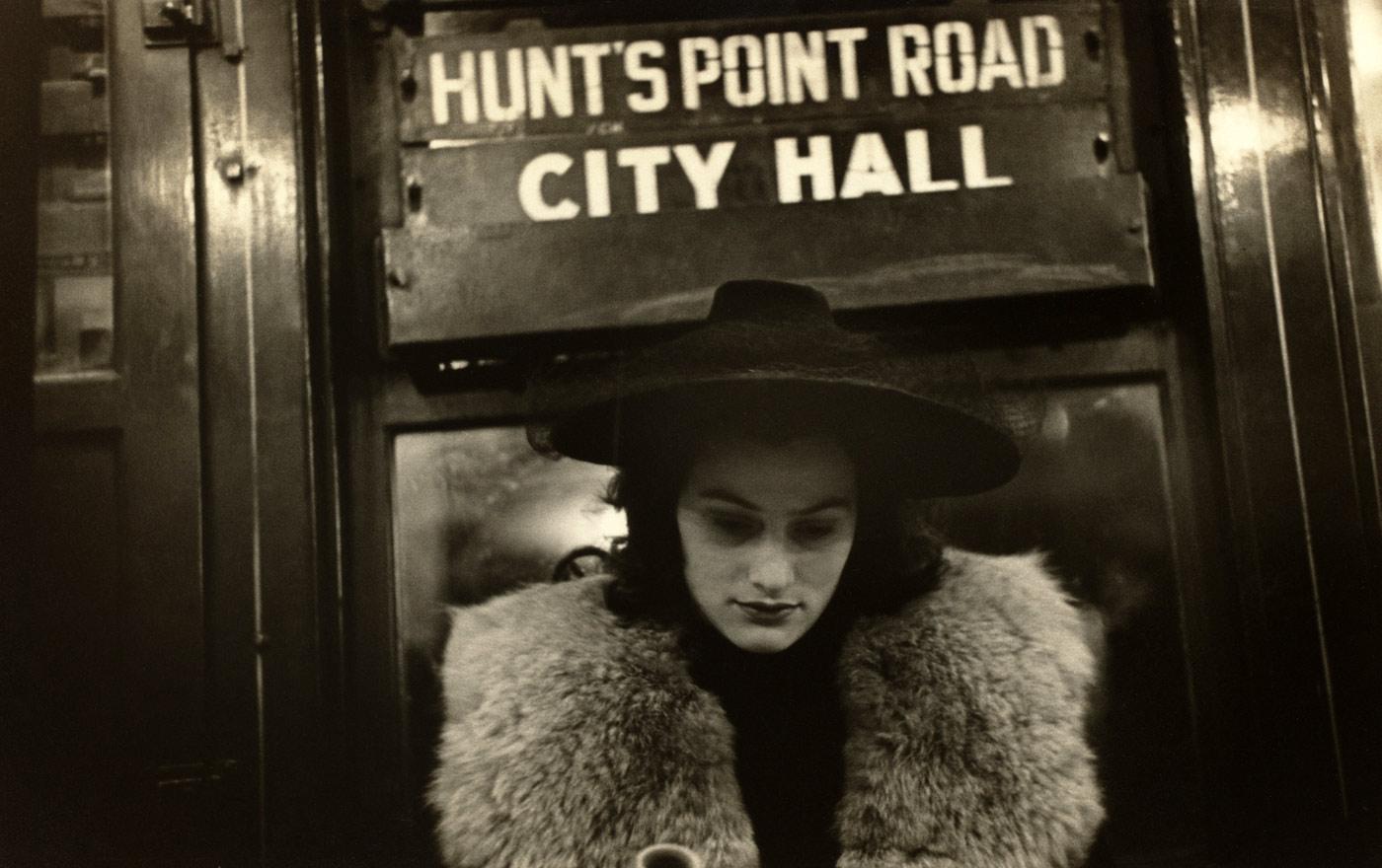 Fotó: Subway Portrait, 1938 © Walker Evans