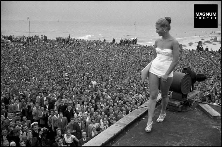 Fotó: Erich Lessing: Miss Lengyelország választás, Sopot, 1956  © Erich Lessing/Magnum Photos