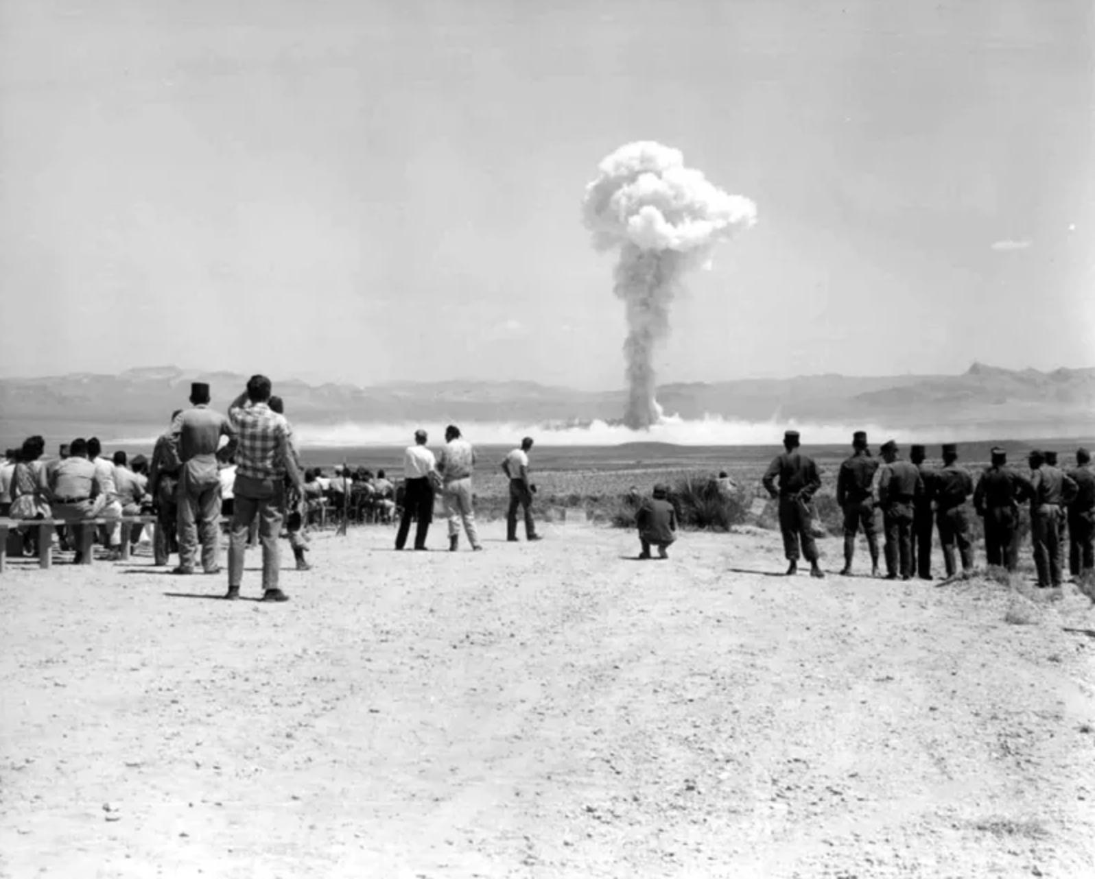 Ez a kép 7 évvel Einstein halála után készült Nevadában, 1962. július 14-én