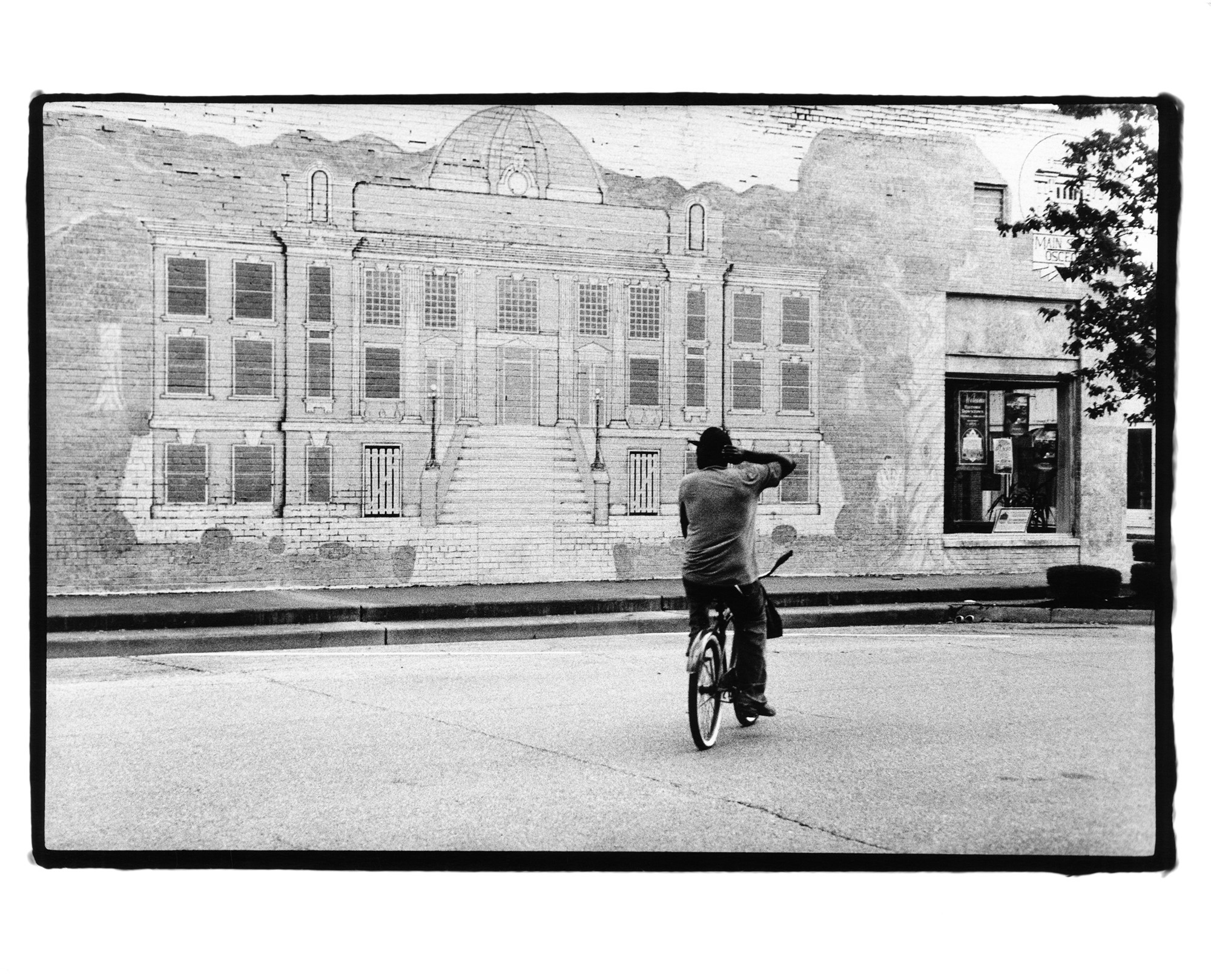 Fotó: Jessica Lange: Minnesota, részlet az A Highway 61 című sorozatból, 2011-18 © Jessica Lange / Howard Greenberg Gallery