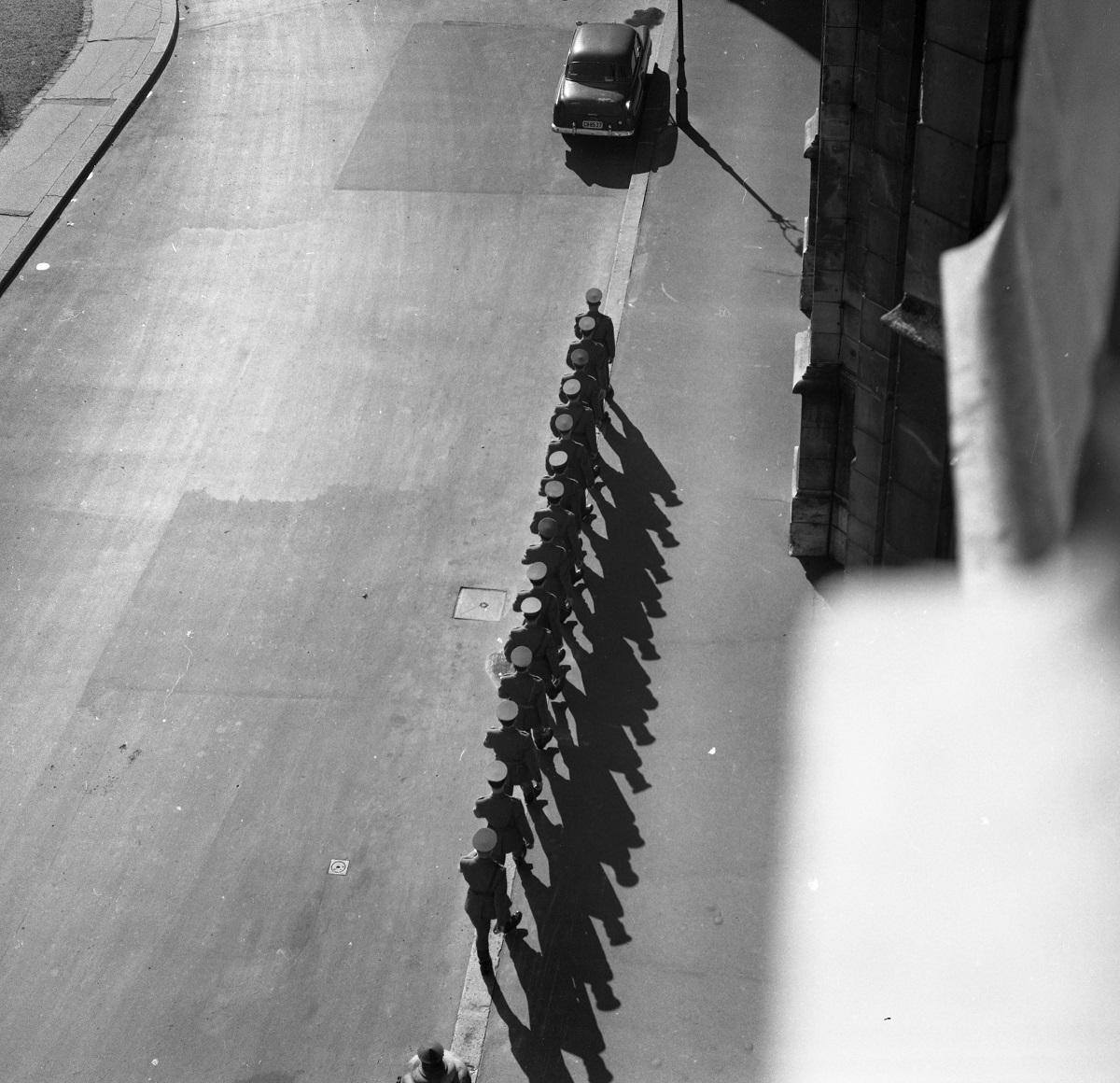Fotó: Kossuth Lajos tér, a felvétel a Parlament erkélyéről készült., Budapest V. ker., Magyarország, 1964 © Fortepan / magyar rendőr
