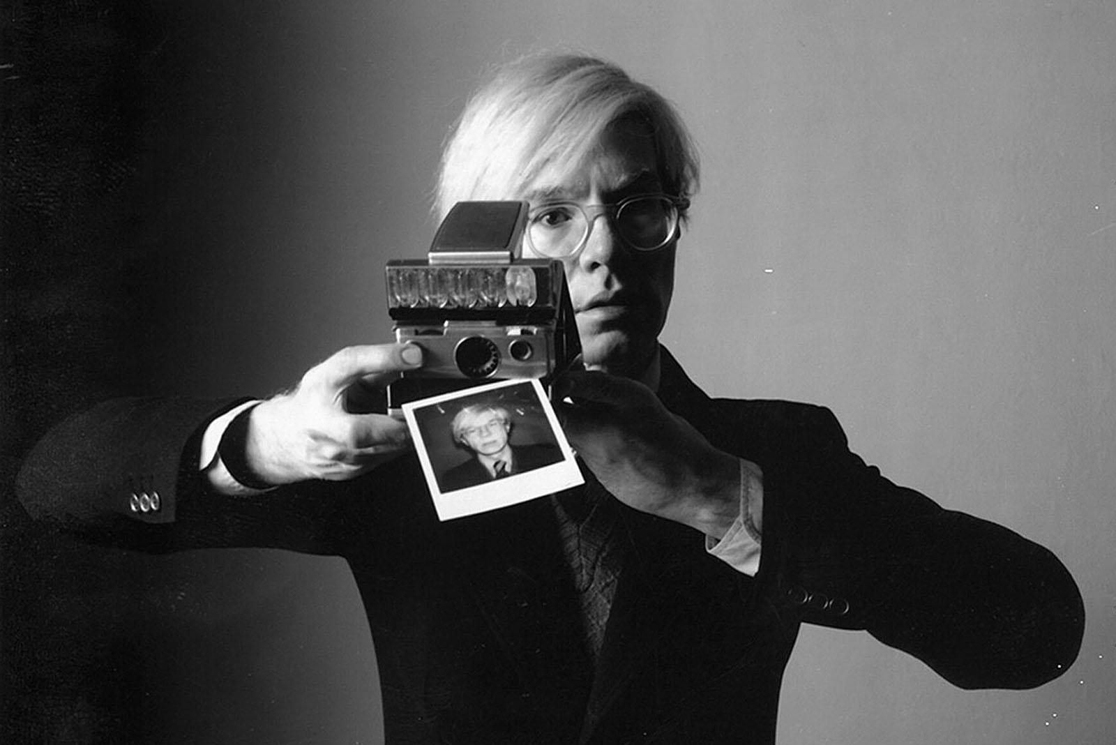 andy_warhols_personally_owned_used_polaroid_sx-70_land_camera_1974_heritage_auctions_7.jpg