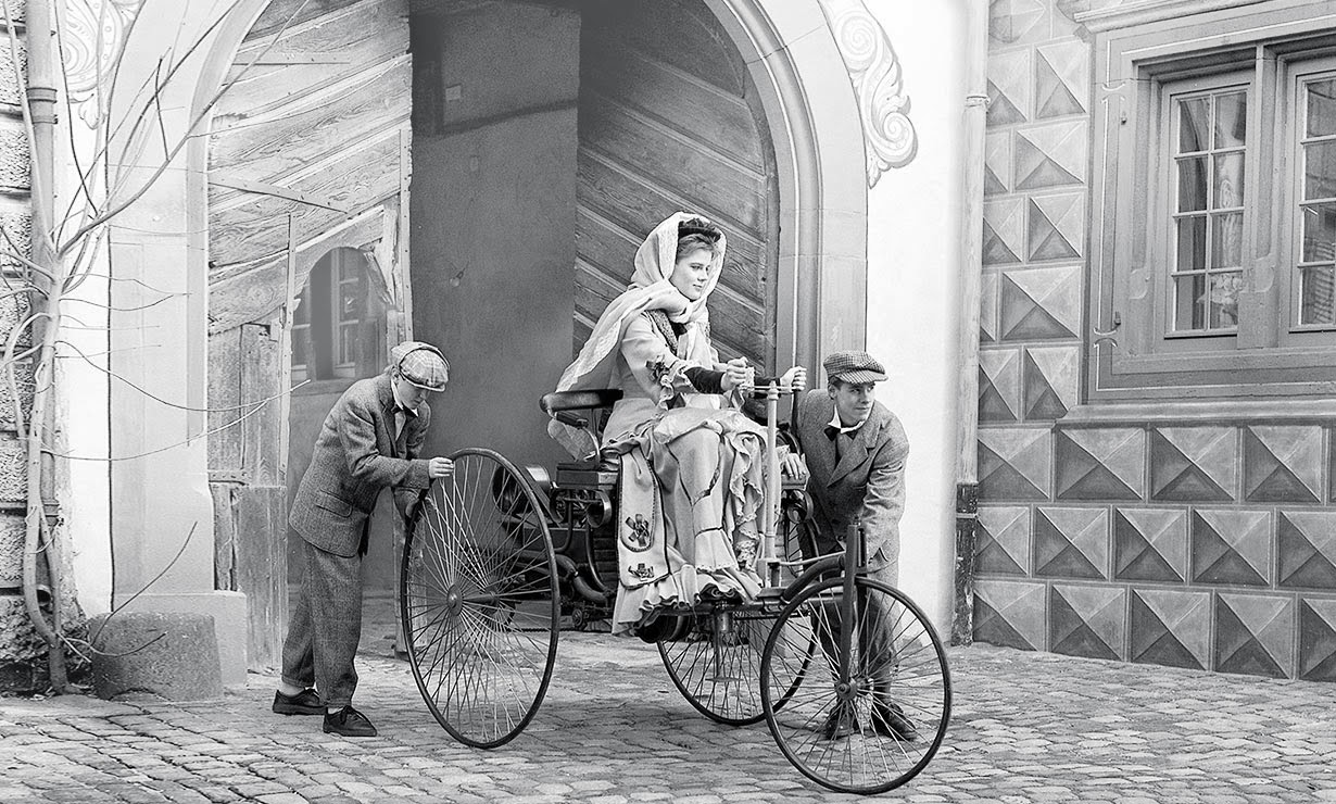 Bertha Benz driving the Benz Patent-Motorwagen c. 1886.jpg