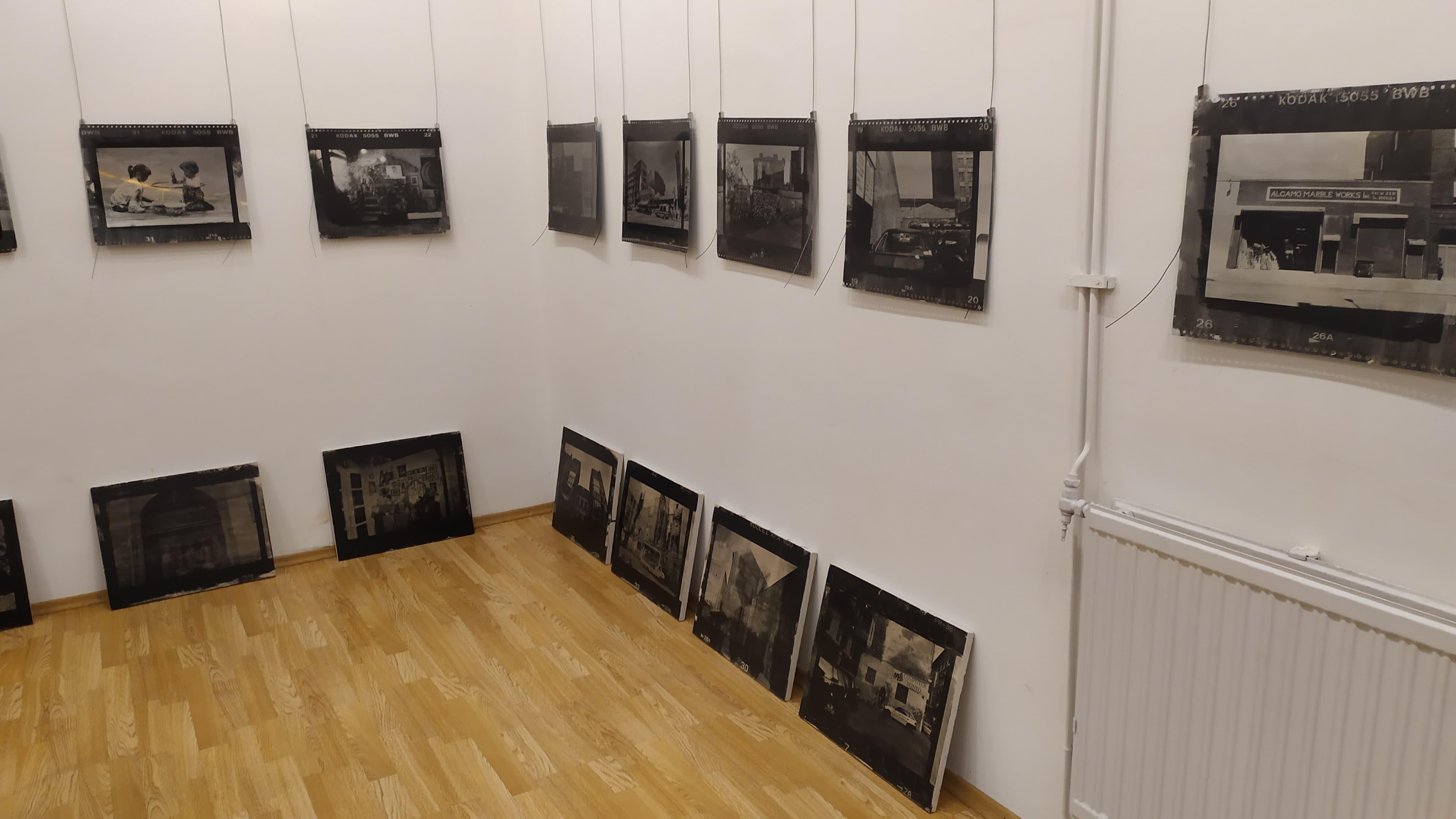 Fém és Kő - New York és Budapest című kiállítás az ArtPhoto Galériában