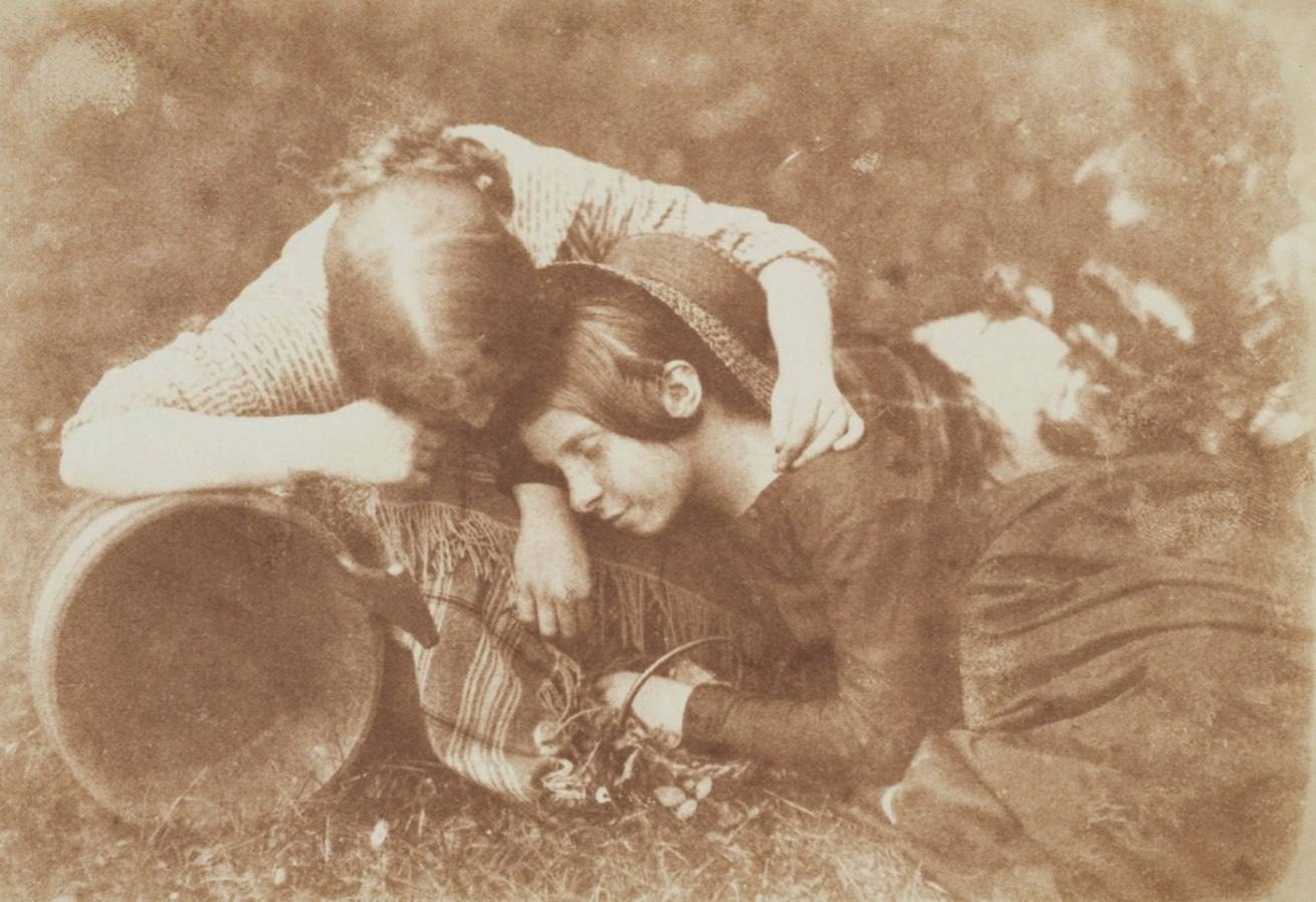 David Octavius Hill and Robert Adamson <br />The Gowan [Margaret and Mary Cavendish]<br />c. 1843-184<br />Photograph, salted paper print from a paper negative