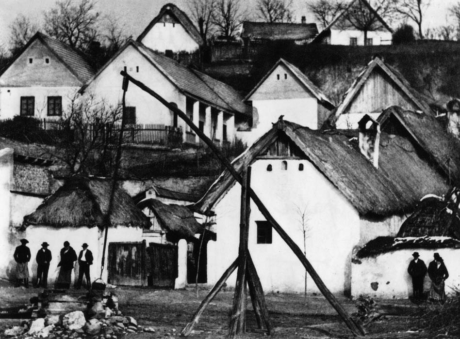 Fotó: Angelo: Magyar falu. 1930, 50x60 cm © Magyar Fotográfiai Múzeum