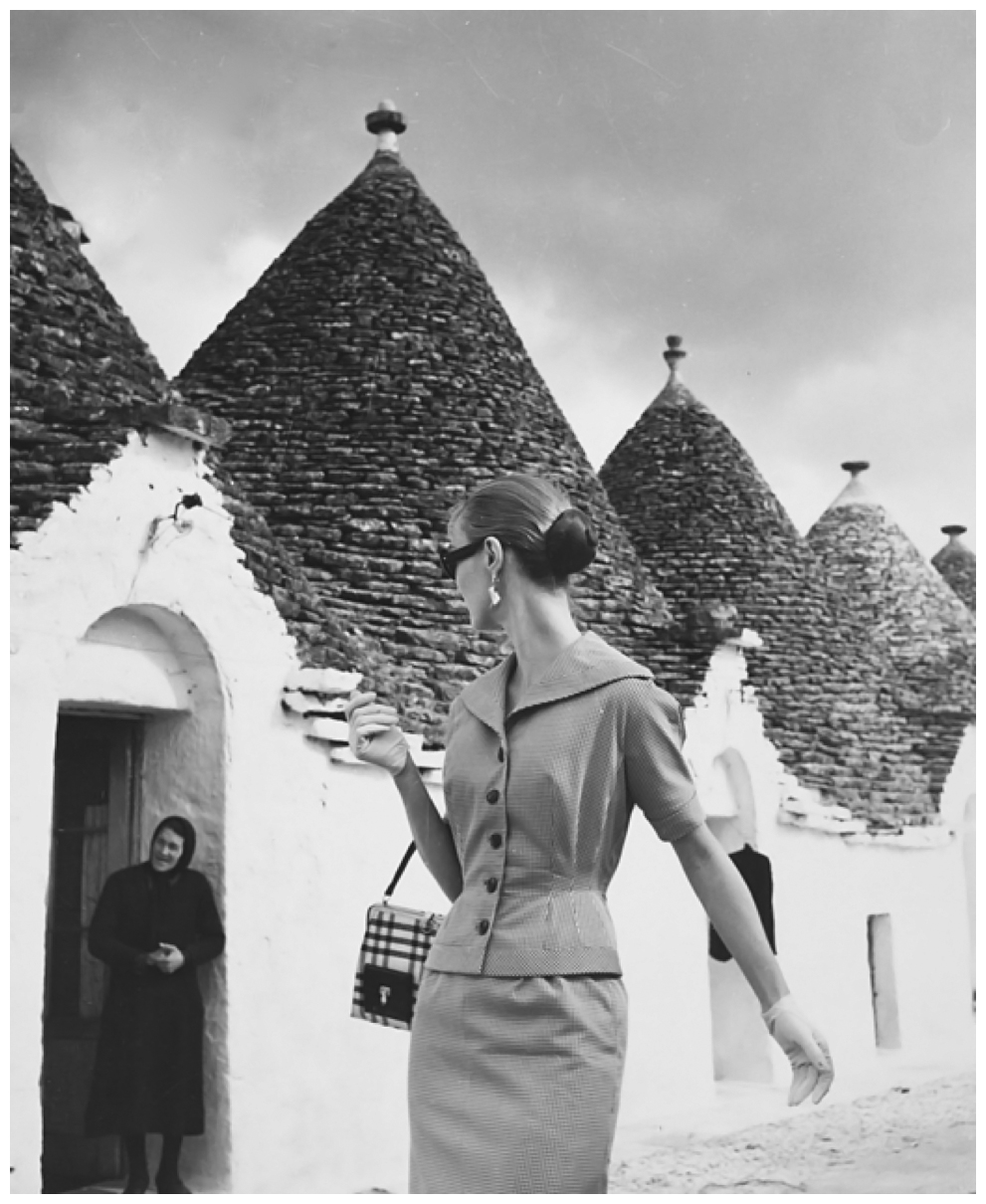 Fotó: Louise Dahl-Wolfe: Evelyn Tripp in Gjoia del Colle, Italy, 1955 © Louise Dahl-Wolfe Archive