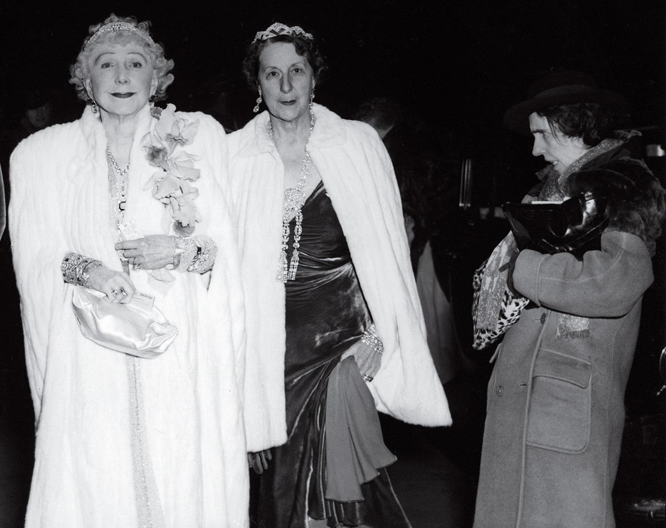 Fotó: Weegee: A kritikus, 1943. december 6. © Time.com