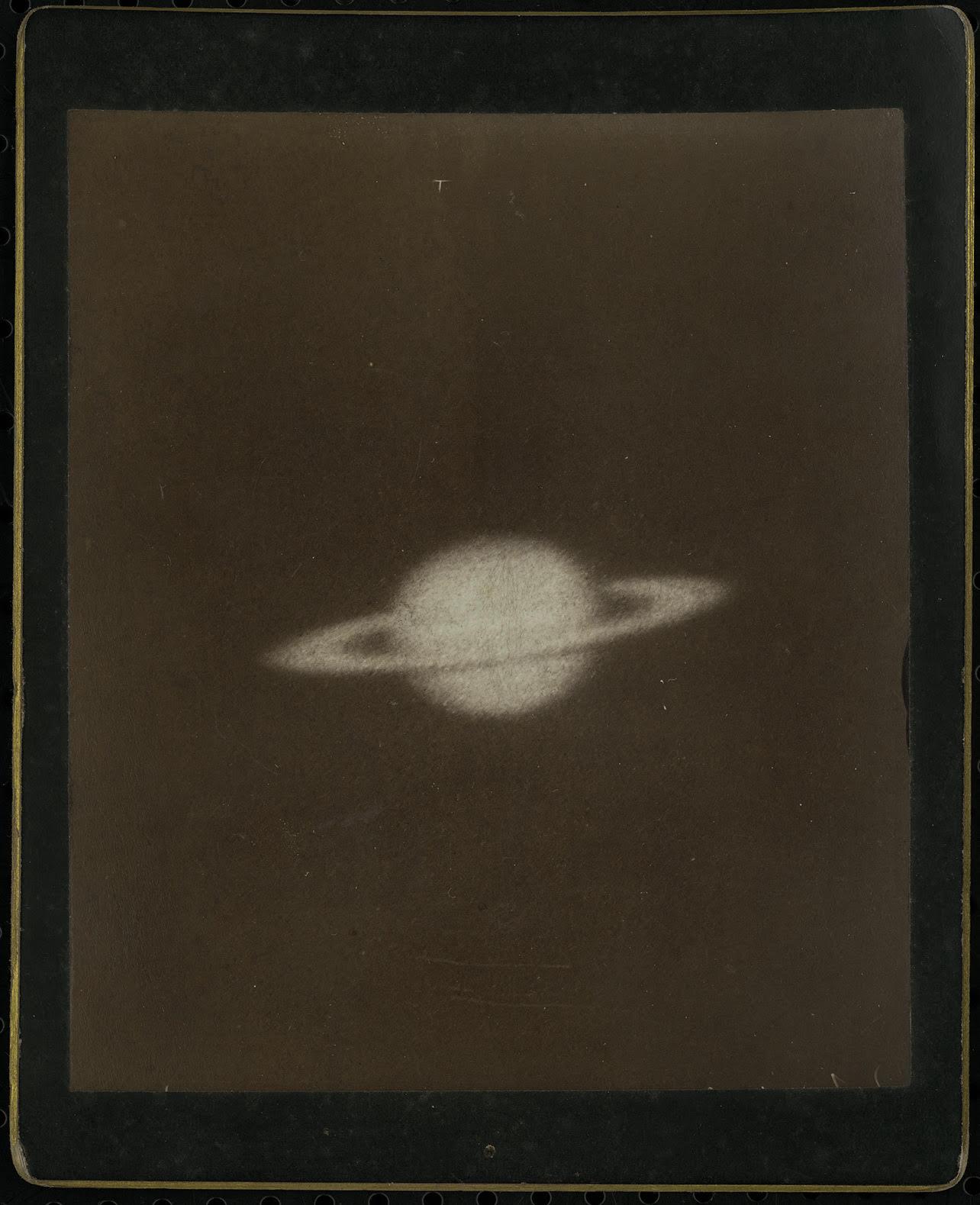 A Szaturnusz a kaliforniai Mount Wilson obszervatóriumból. Gothard Jenő amerikai körútja alkalmából jutott ezekhez a képekhez, amelyek a XIX. század utolsó évtizedének világszinten is legnagyobb teljesítményű távcsövével készültek. /ELTE Gothard Asztrofizikai Obszervatórium jóvoltából/