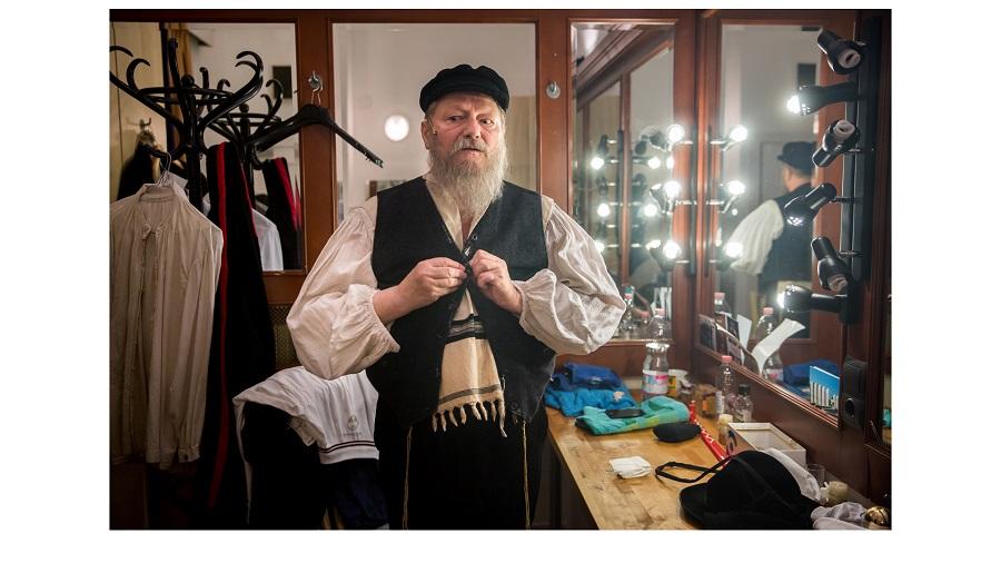 Fotó: Pályi Zsófia: Részlet az Álruhában, kopaszon - Hegedűs D. Géza című sorozatból
