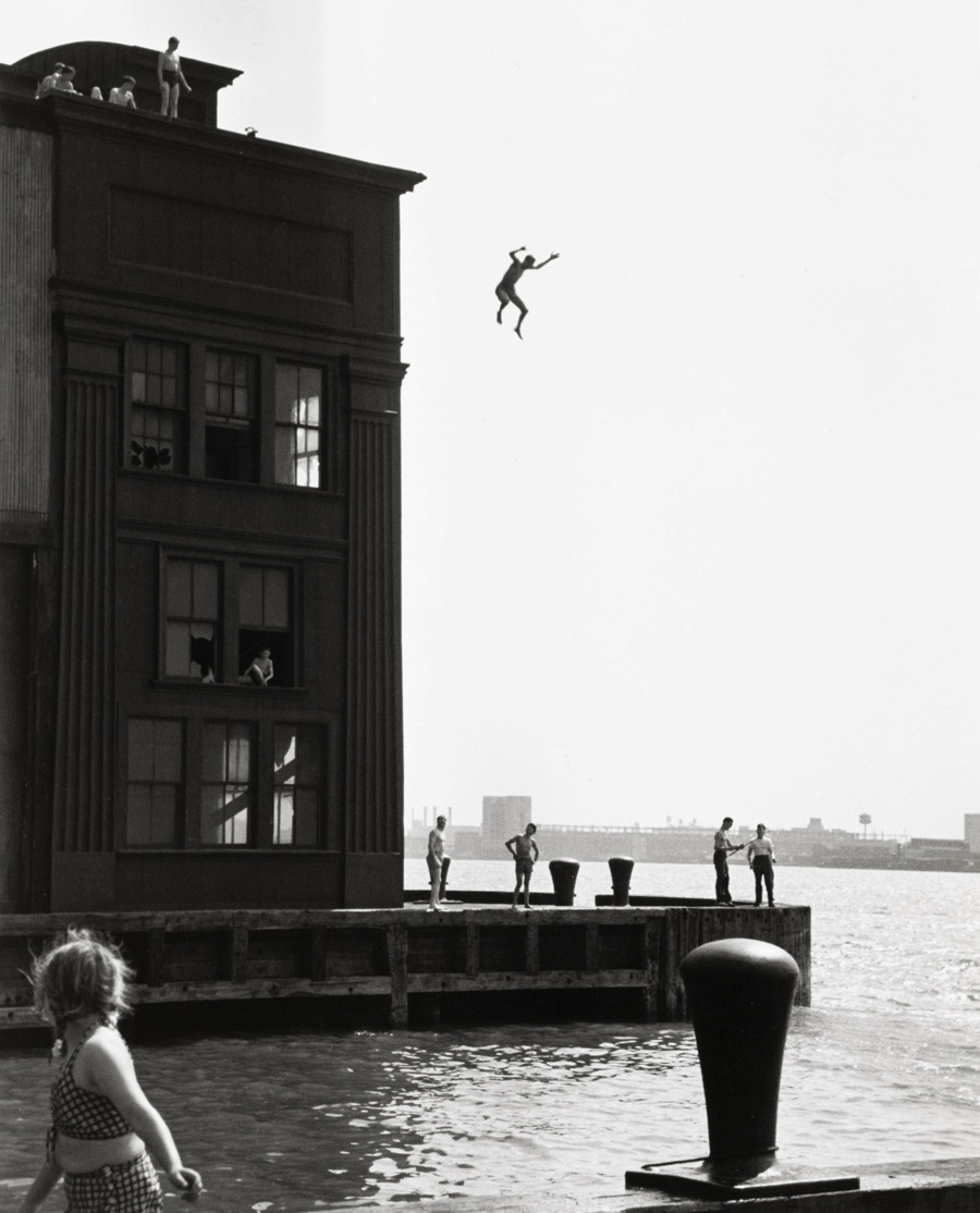 20-orkin-boy-jumping-into-hudson-river-web.jpg