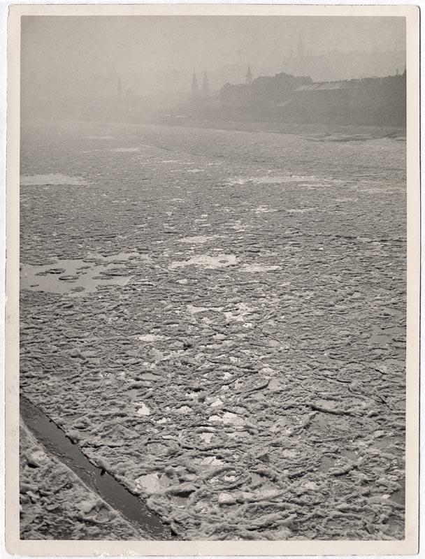 Fotó: Hevesy Iván: A zajló Duna 1932. k. © Magyar Fotográfiai Múzeum