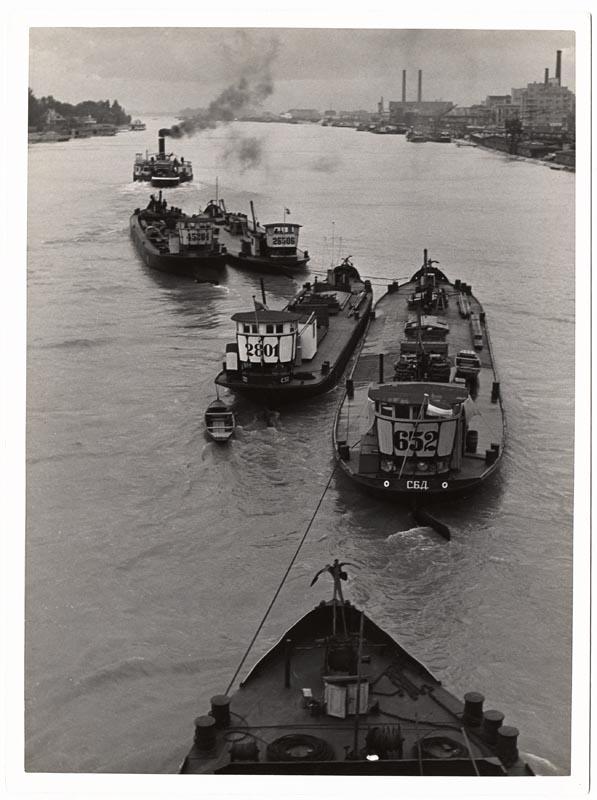 Fotó: Hevesy Iván: Rakodás az uszályba, 1930-as évek eleje © Magyar Fotográfiai Múzeum