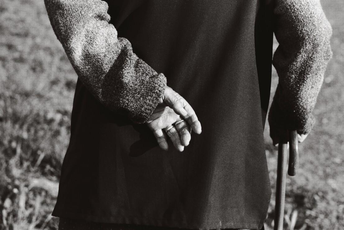 Farkas Aranka a dobozi temetőben,2007 .jpg