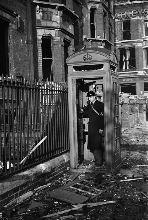 03_george_rodger_london_1940.jpg