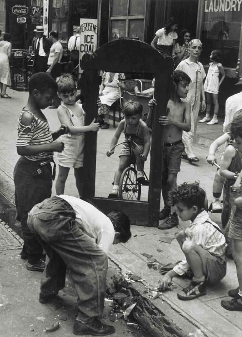helen-levitt-1940.jpg