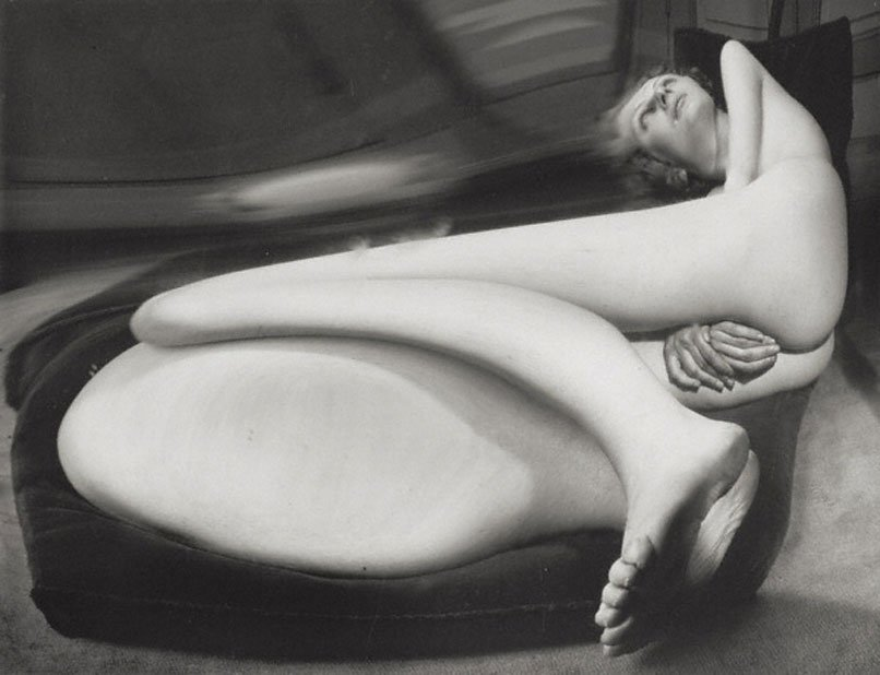 kertesz-distortion-number-40-paris-1933.jpg