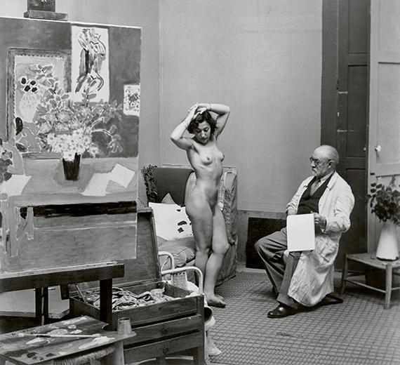 Henri Matisse with his Model, 1939<br />© Estate Brassaï Succession, Paris<br /><br />A Foamban megrendezett kiállítás 2019. december 4-ig látogatható.