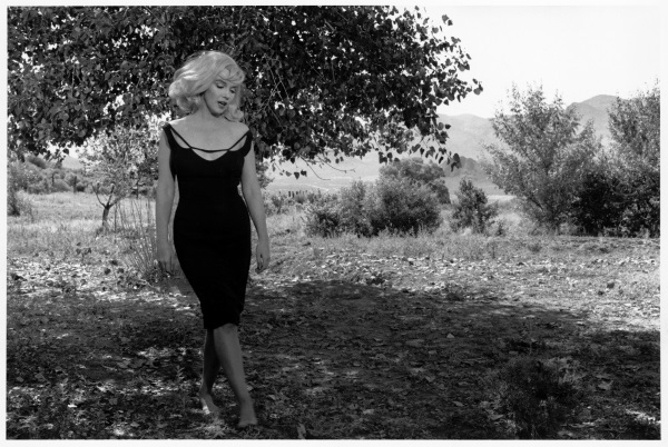 Fotó: Inge Morath: Marilyn Monroe a Misfits forgatásán, Nevada, 1960 © Inge Morath / Magnum Photos