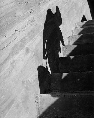 Fotó: Lucien Hervé: Light & Shadow at La Cite Radieuse Marseille: still from 'Le Corbusier & Lucien Hervé: The Architect & The Photographer – A Dialogue'. (Published 2011, © Thames & Hudson)