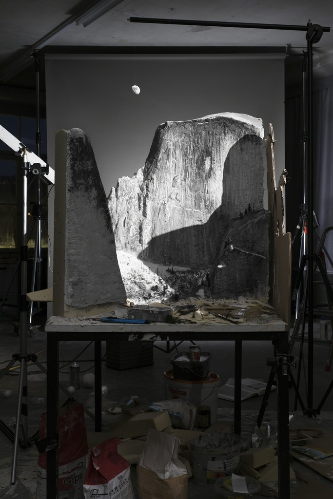 "Fotó: Cortis & Sonderegger: Making of ""Moon and Half Dome"" (by Ansel Adams, 1960), 2016 © Thames and Hudson / Cortis & Sonderegger"