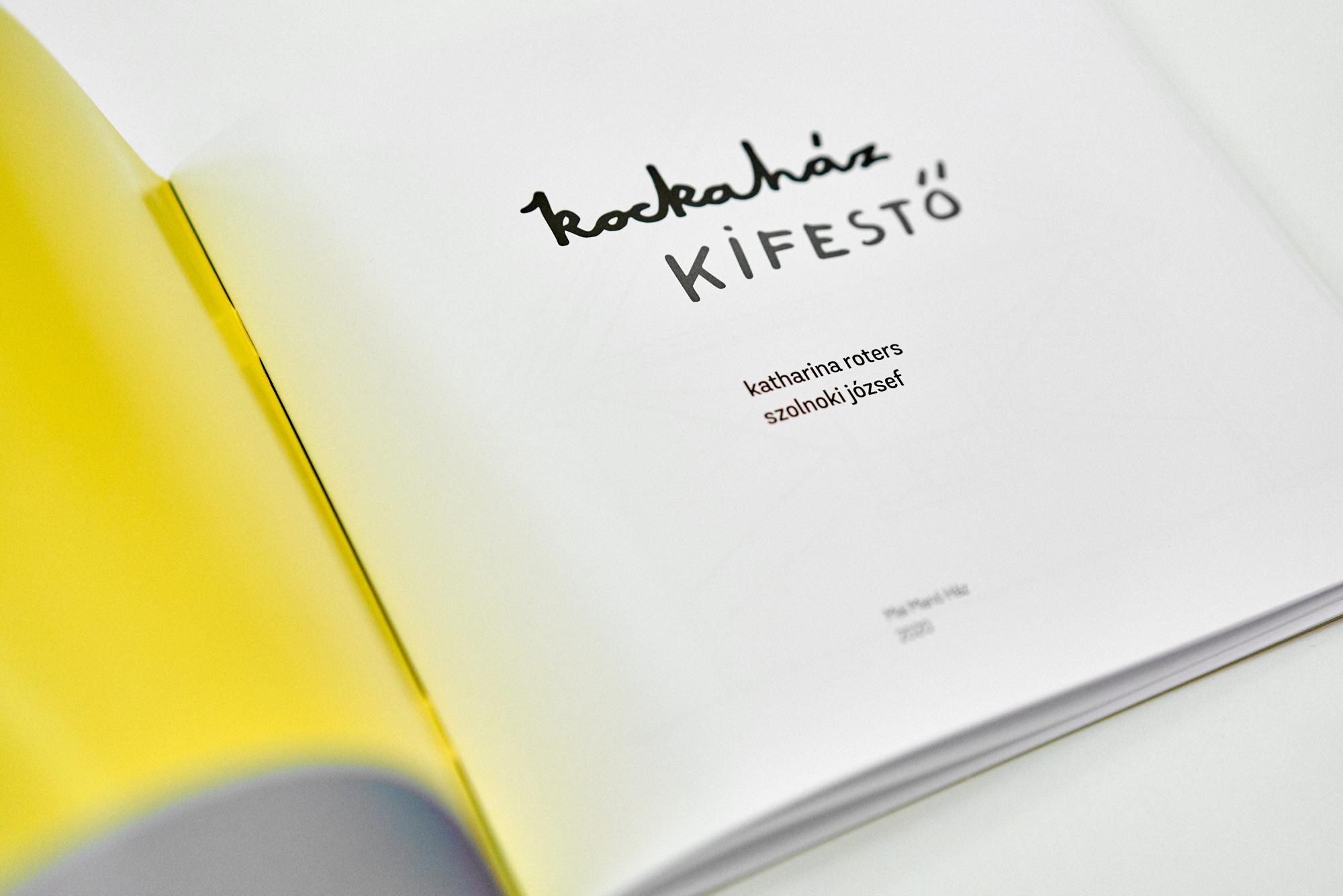 Kockaház kifestő<br />Kiadó: Magyar Fotográfusok Háza - Mai Manó Ház, 2020<br />Kötés: puhatáblás<br />Oldalszám: 40 oldal<br />Nyelv: magyar<br />ISBN: 9789638852984<br />Ár: 1.490, -Ft<br /><br />Fotó: Kiss Imre
