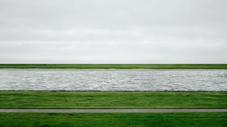 1.<br />Fotó: Andreas Gursky: Rhein II (1999)<br />$4,338,500<br />November 8, 2011<br />Christie's New York