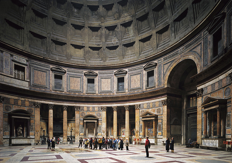 16.<br />Fotó: Thomas Struth: Pantheon, Rome (1990-1992)	<br />$1,810,000	<br />May 15, 2016	<br />Sotheby's New York