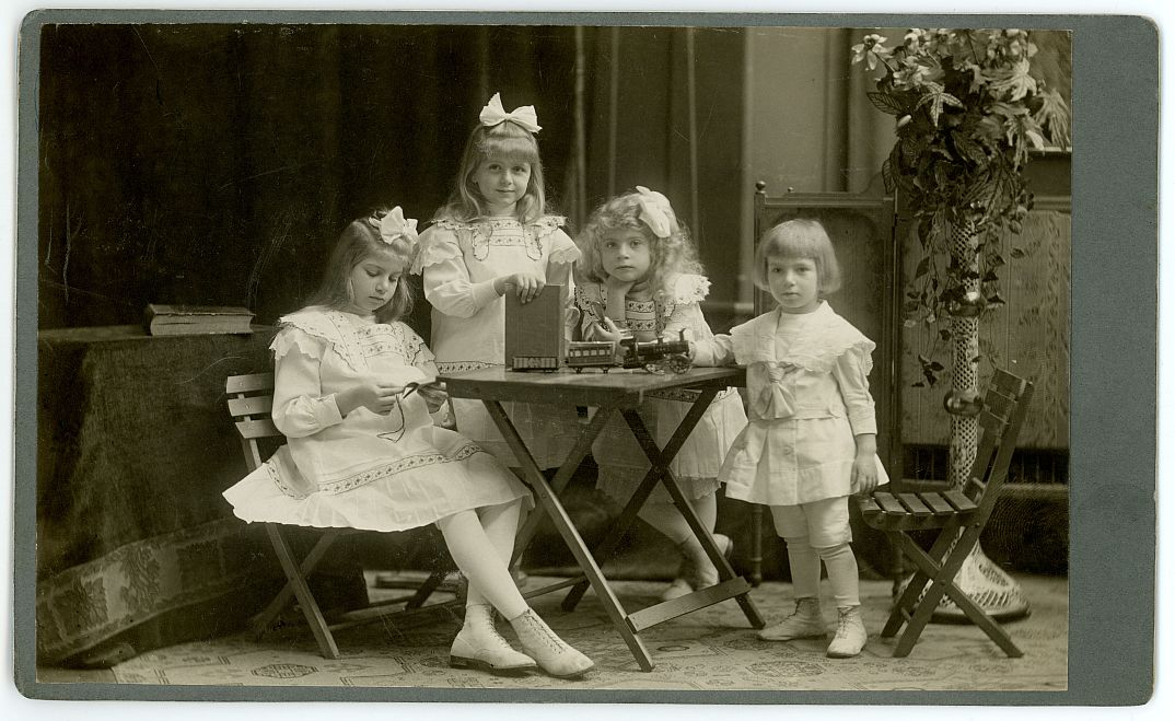 a-geszti-gyermekek-1911-korul.jpg