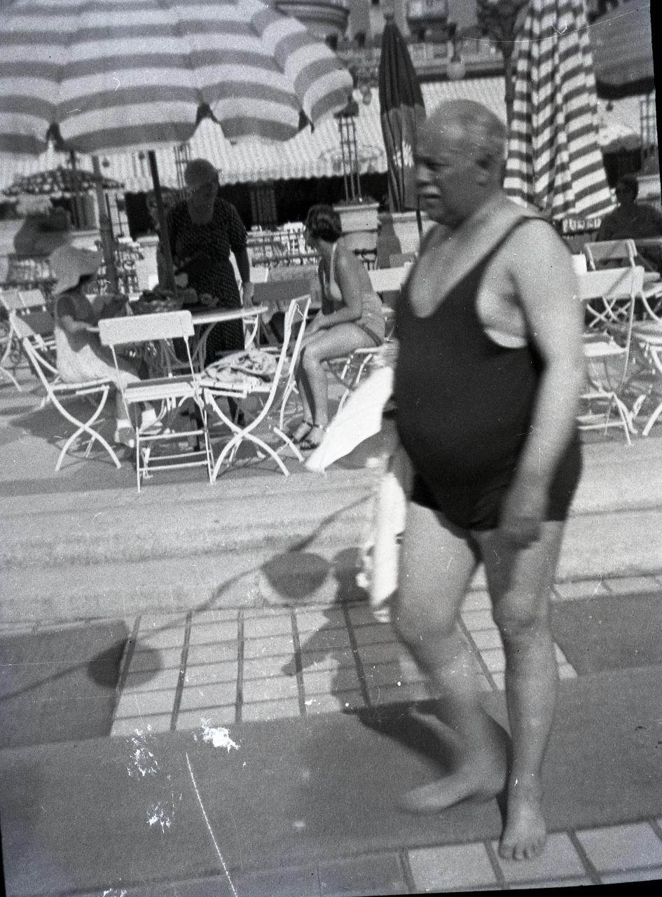 Fotó: Pusztai Sándor: Ismeretlen fürdővendég, 375 © Pusztai Sándor örökösei - FSZEK Budapest Gyűjtemény