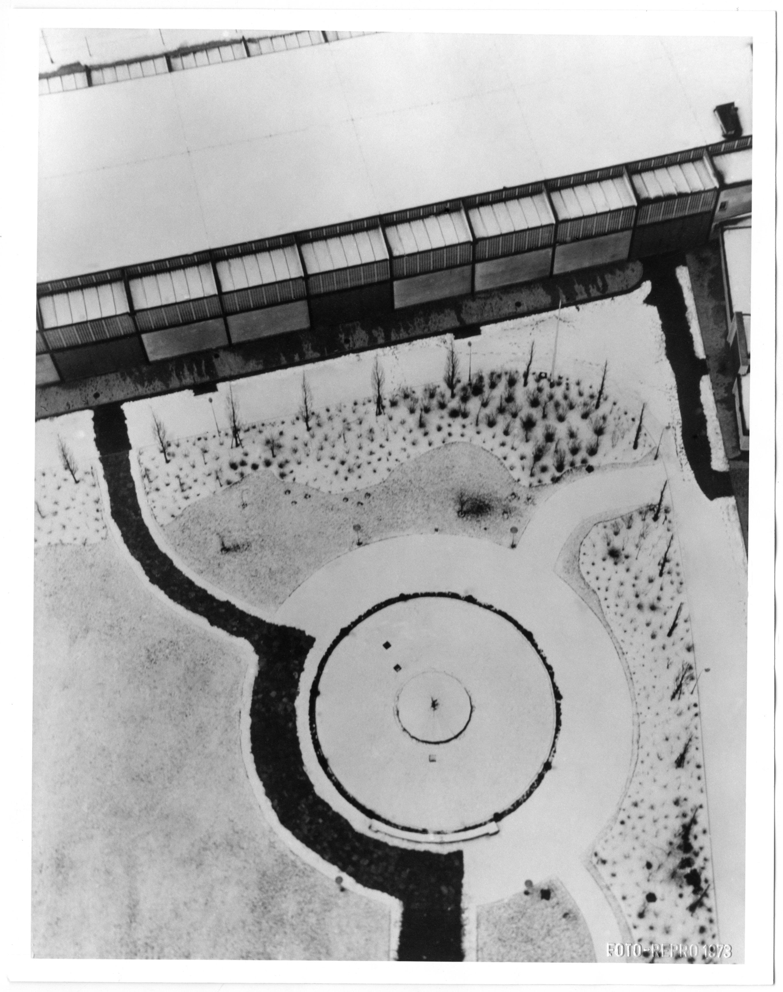 Fotó: Moholy-Nagy László: Berlini rádiótorony, 1928k./1973, zselatinos ezüst © Magyar Fotográfiai Múzeum