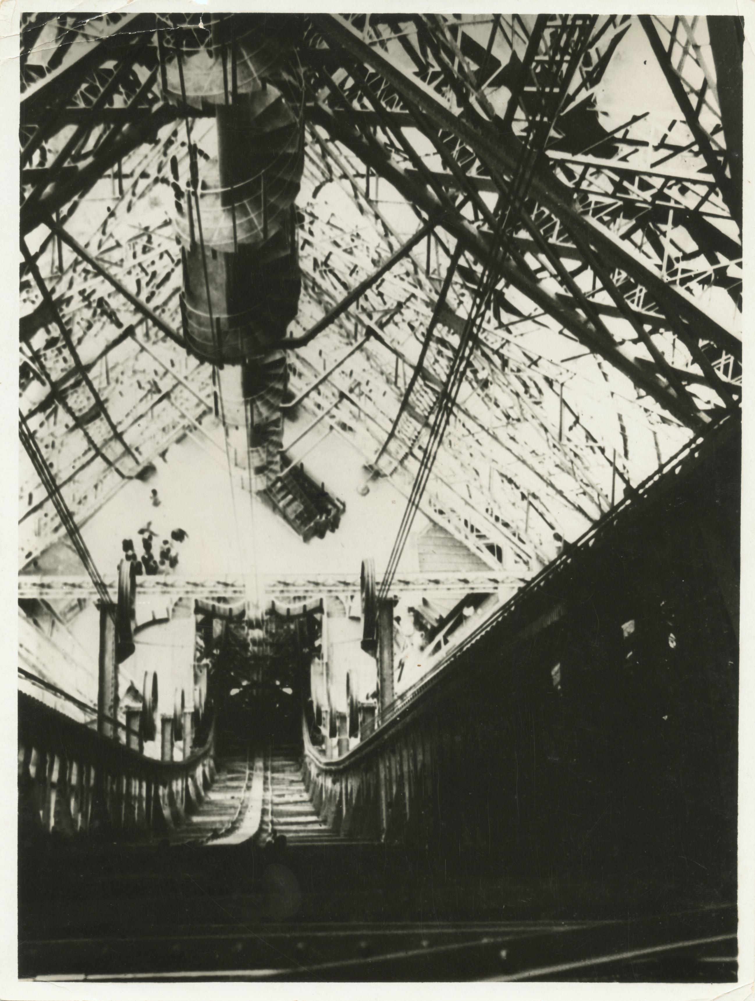 Fotó: Moholy-Nagy László: Eiffel-torony, é.n., zselatinos ezüst © Magyar Fotográfiai Múzeum