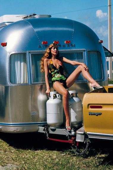 Fotó: Helmut Newton: Jerry Hall, American Vogue, Miami, Florida, 1974 © Helmut Newton Estate