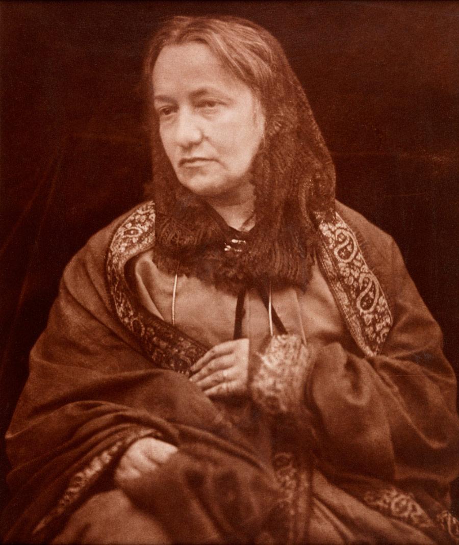 mrs-julia-margaret-cameron-henry-herschel-hay-cameron-1870.jpg