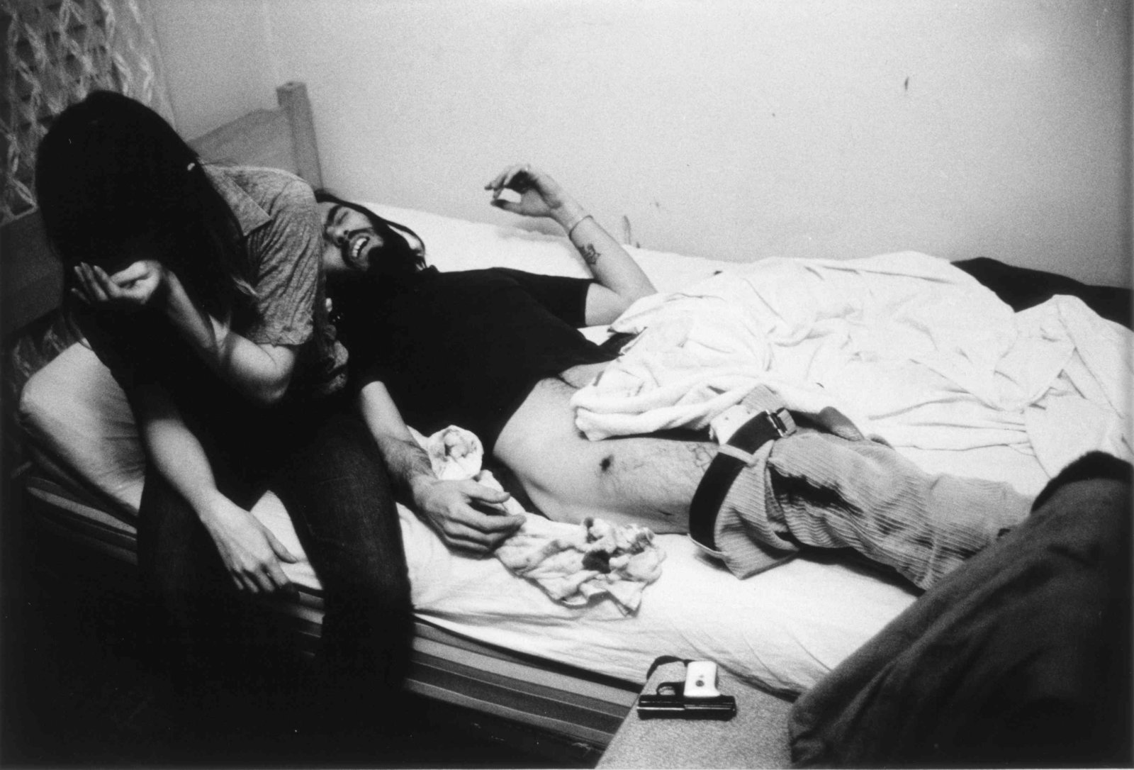 "Fotó: Larry Clark: Accidental Gunshot Wound (from the series ""Tulsa""), 1971 © ClampArt"
