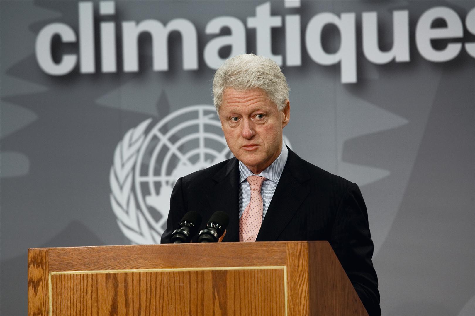 William J. Clinton, az Egyesült Államok korábbi elnöke - 2005. nov. 28. - dec. 9., Montreal, Kanada © Joel Sternfeld, Prix Pictet, Ltd.jpg